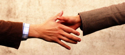handshake-communication-1532849_0.jpg